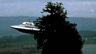 UFO Sightings Massive Flying Saucers Caught On Tape? Over 50 Feet Wide Metallic Disk Update!